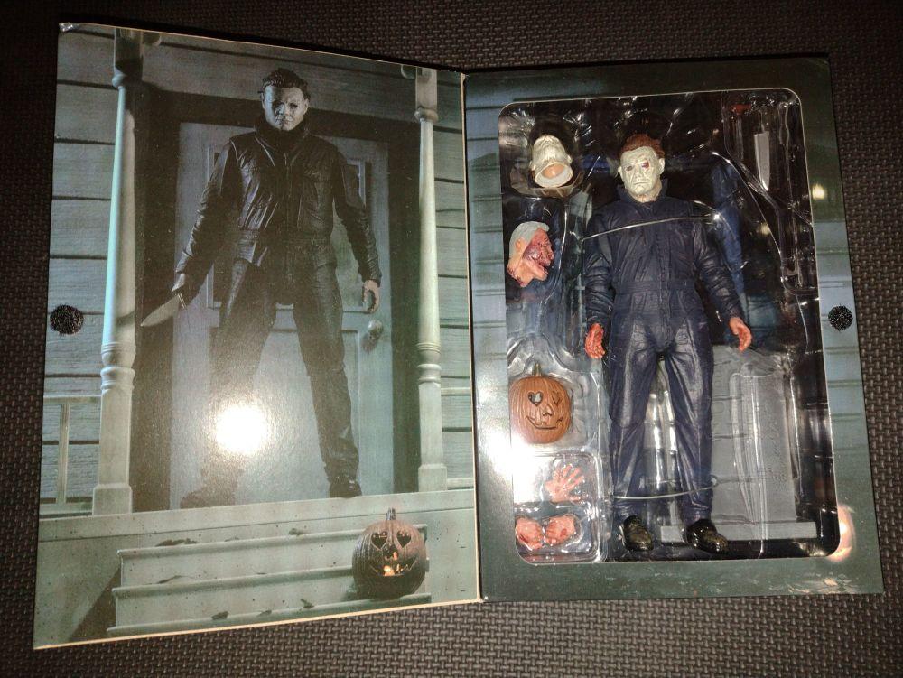 NECA - Halloween Ultimate Michael Myers - Collectable Figure Set & Accessor