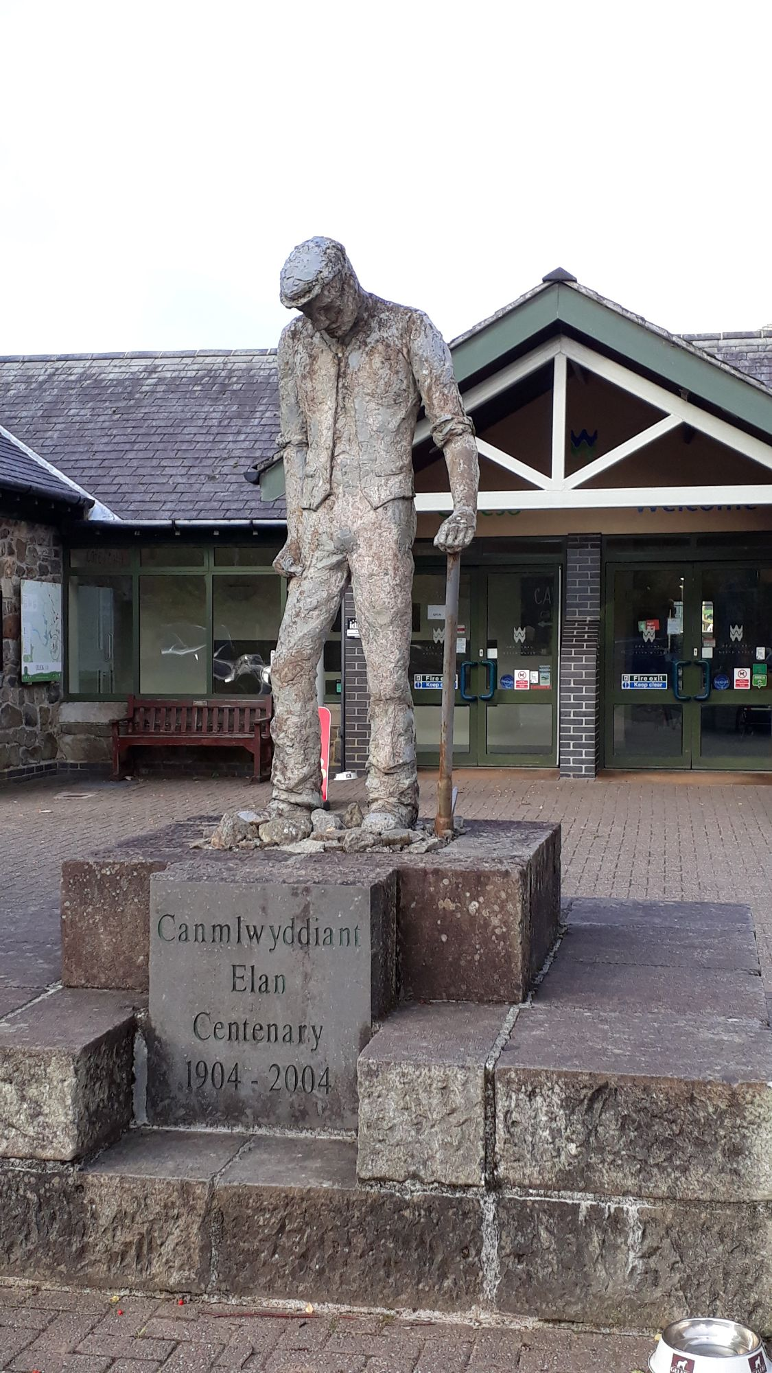 statue outside visitor centre
