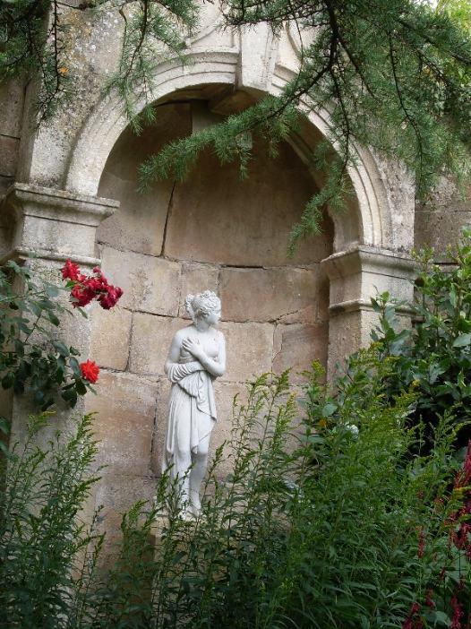 statue in alcove