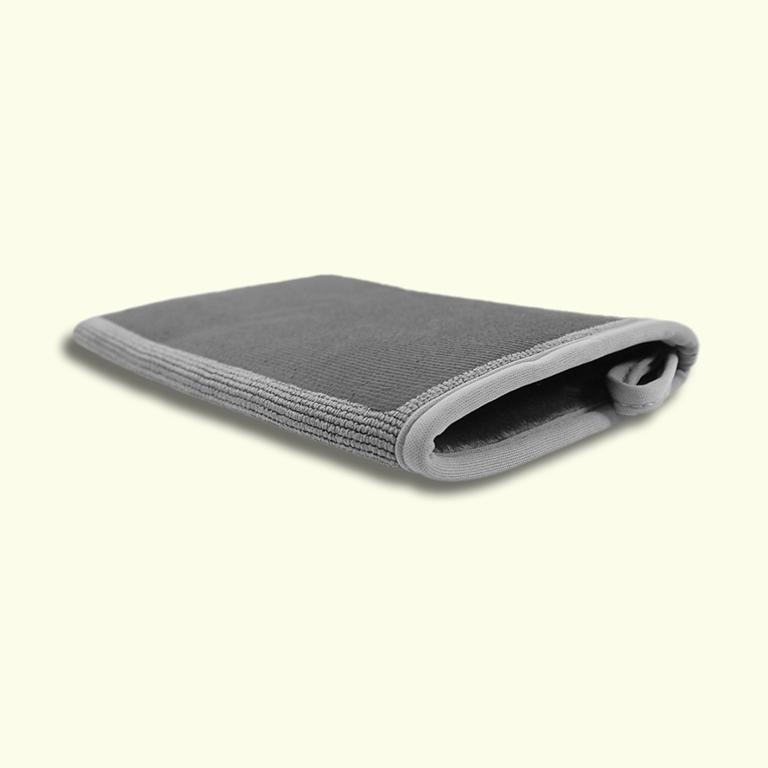 A Clay Mitt Solar Grey 22cm x 15cm