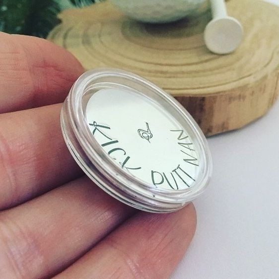 Clear Coin Capsule