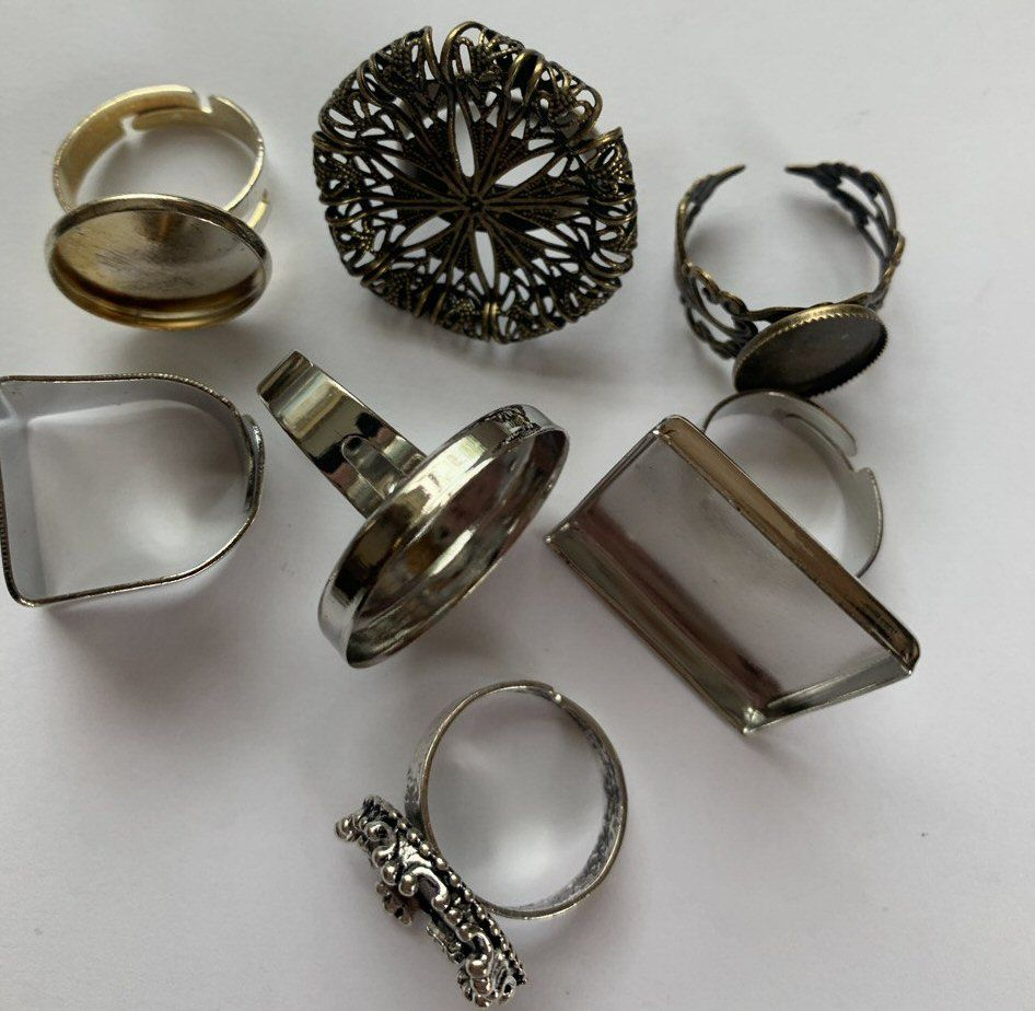 Rings for inserts
