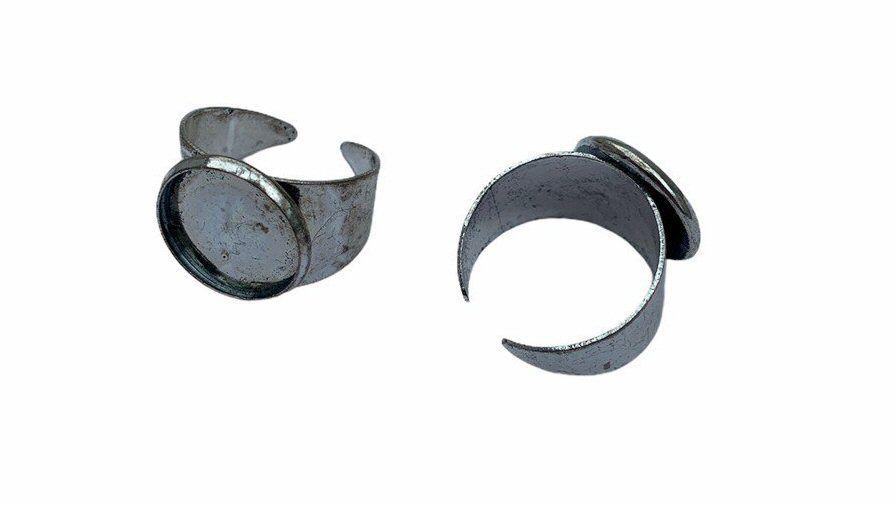 silver style bezel tray ring
