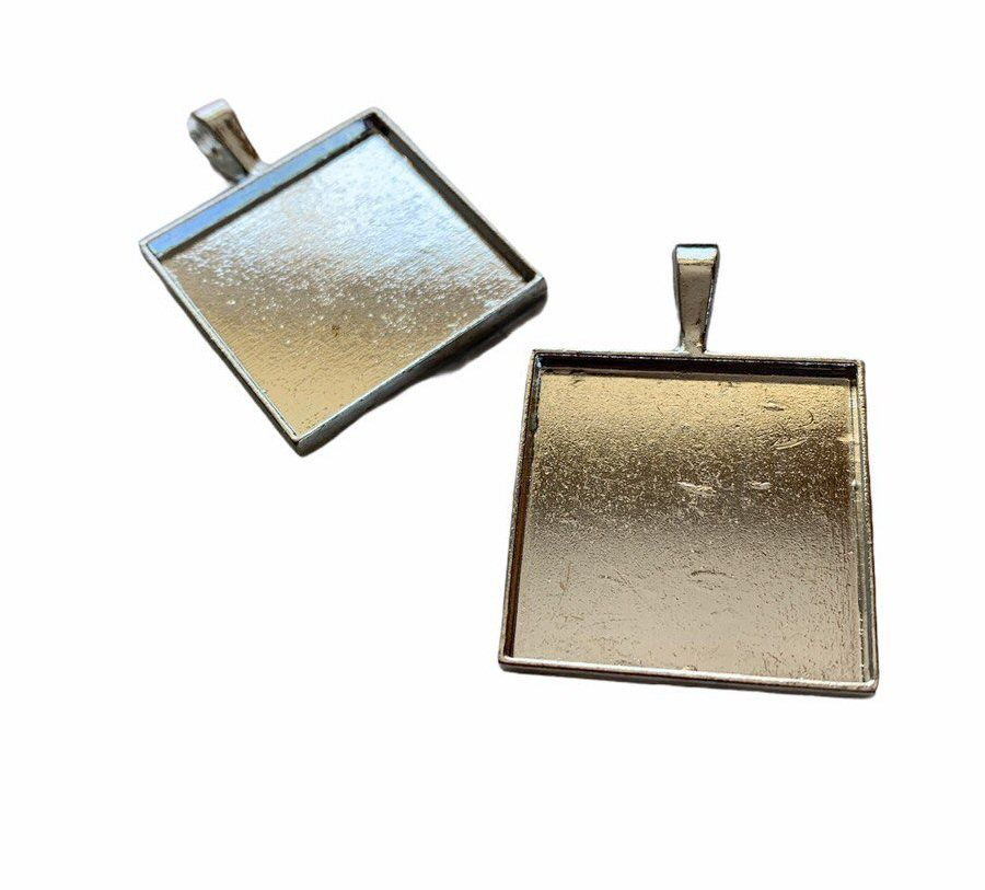 silver style square bezel