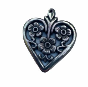 silver style filigree heart with three flowers - A14
