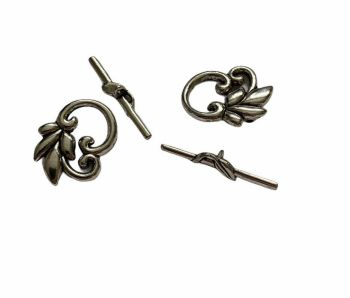 Silver style  clasp with leaves - E14