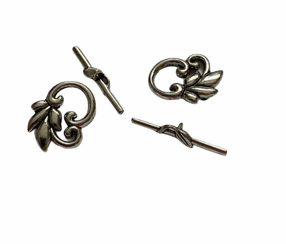 Silver style  clasp with leaves