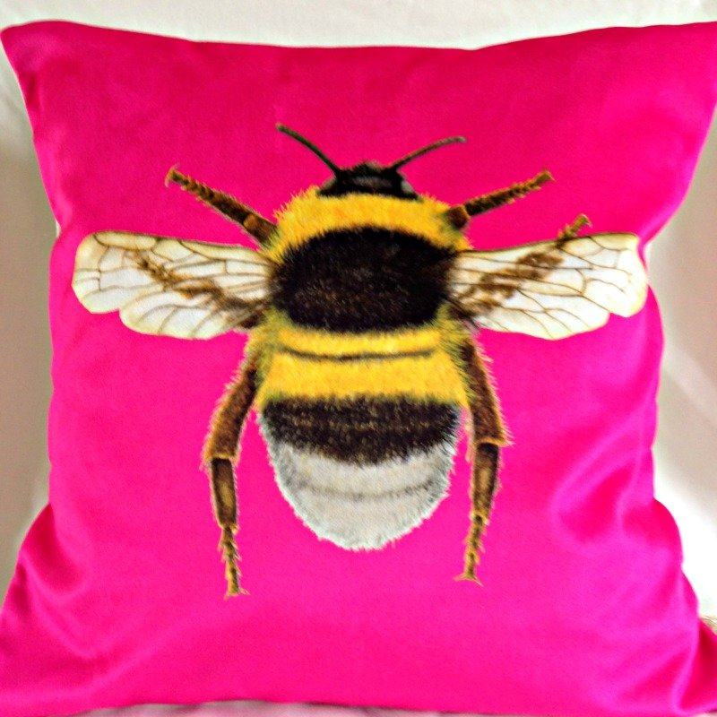 Velvet Bee Cushion-Sherbet Pink
