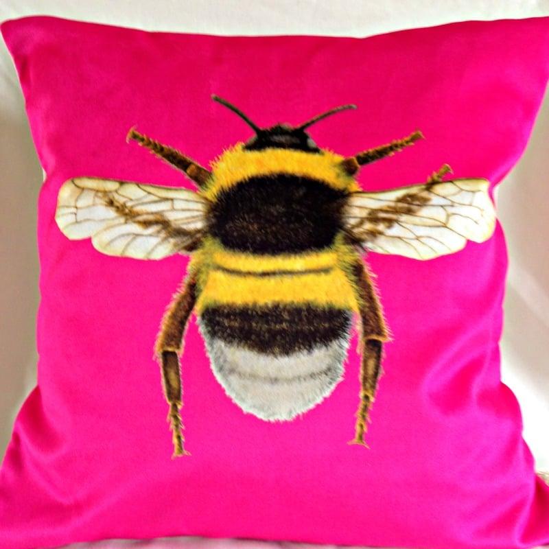 Velvet Bee Cushion-Sherbet Pink