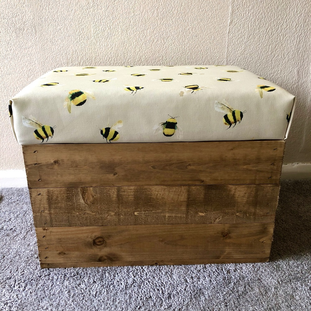 Wooden Vintage Style Apple Crate Storage Seat- Taupe Bee