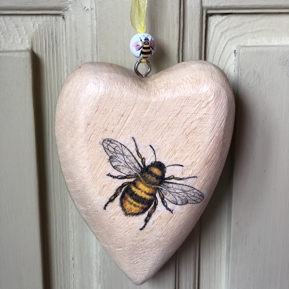Chubby Wooden Hanging Heart - Single Bee