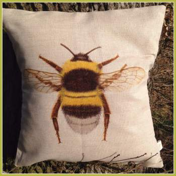 Linen Bumble Bee Cushion