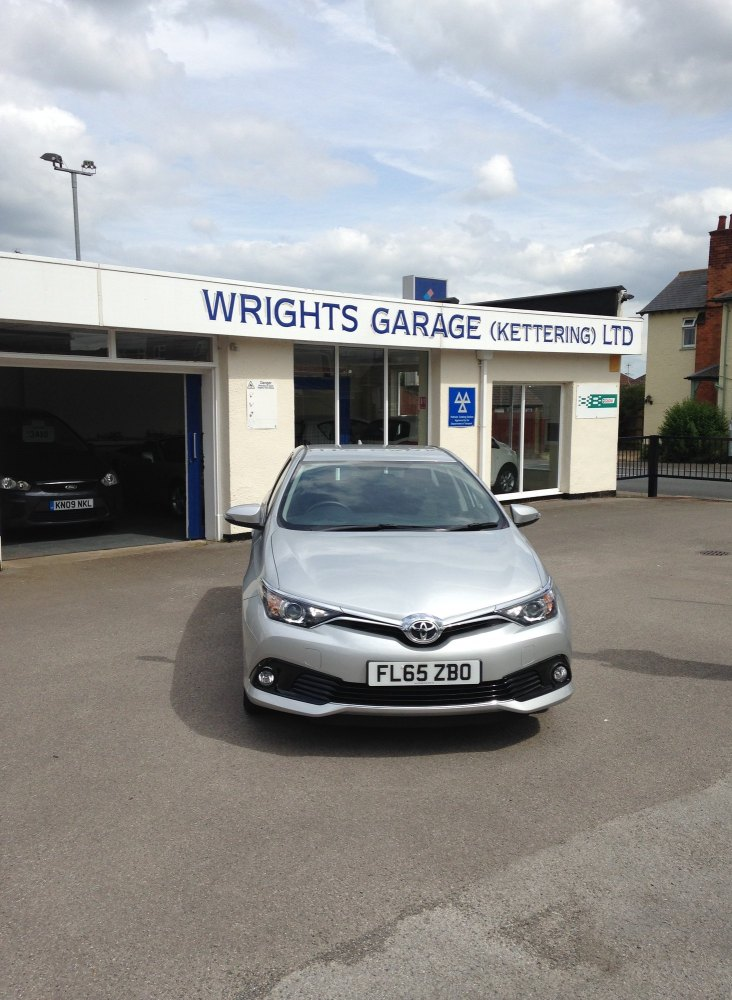 Toyota Auris Business ED VVT-I CVT YEAR 2015