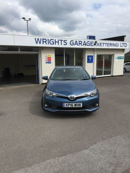 Toyota Auris Business ED VVT-I  YEAR 2016  Sold