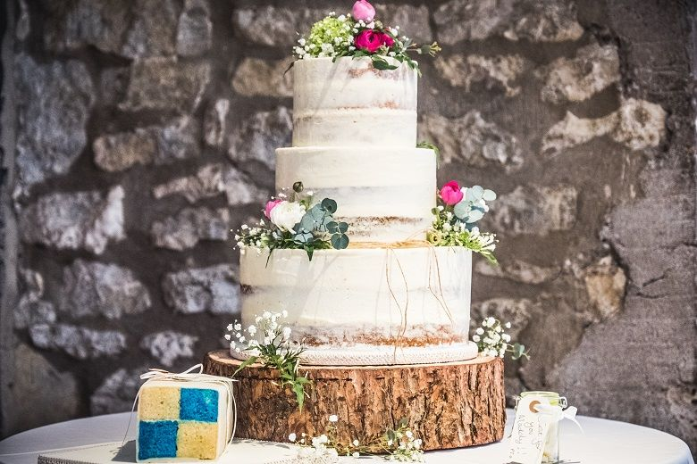 rustic wedding cakes Bristol