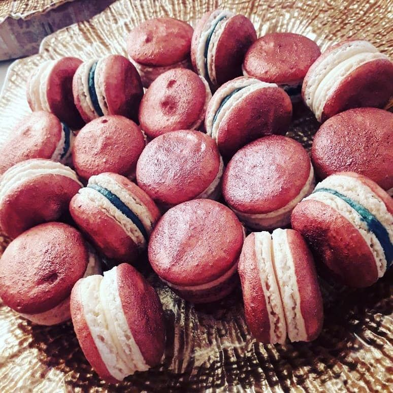 Autumn copper macarons