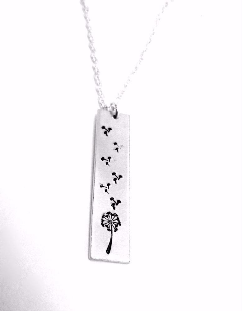 Dandelion Scratters Necklace