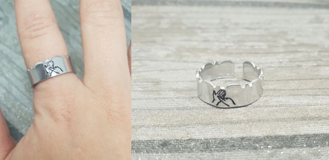BSL Initial Wavy Ring
