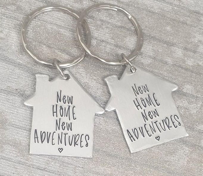 **FIVER FRIDAY 30/08** New Home New Adventures Keyring