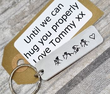 ** HUGS ** - BSL Keyring - with gift note
