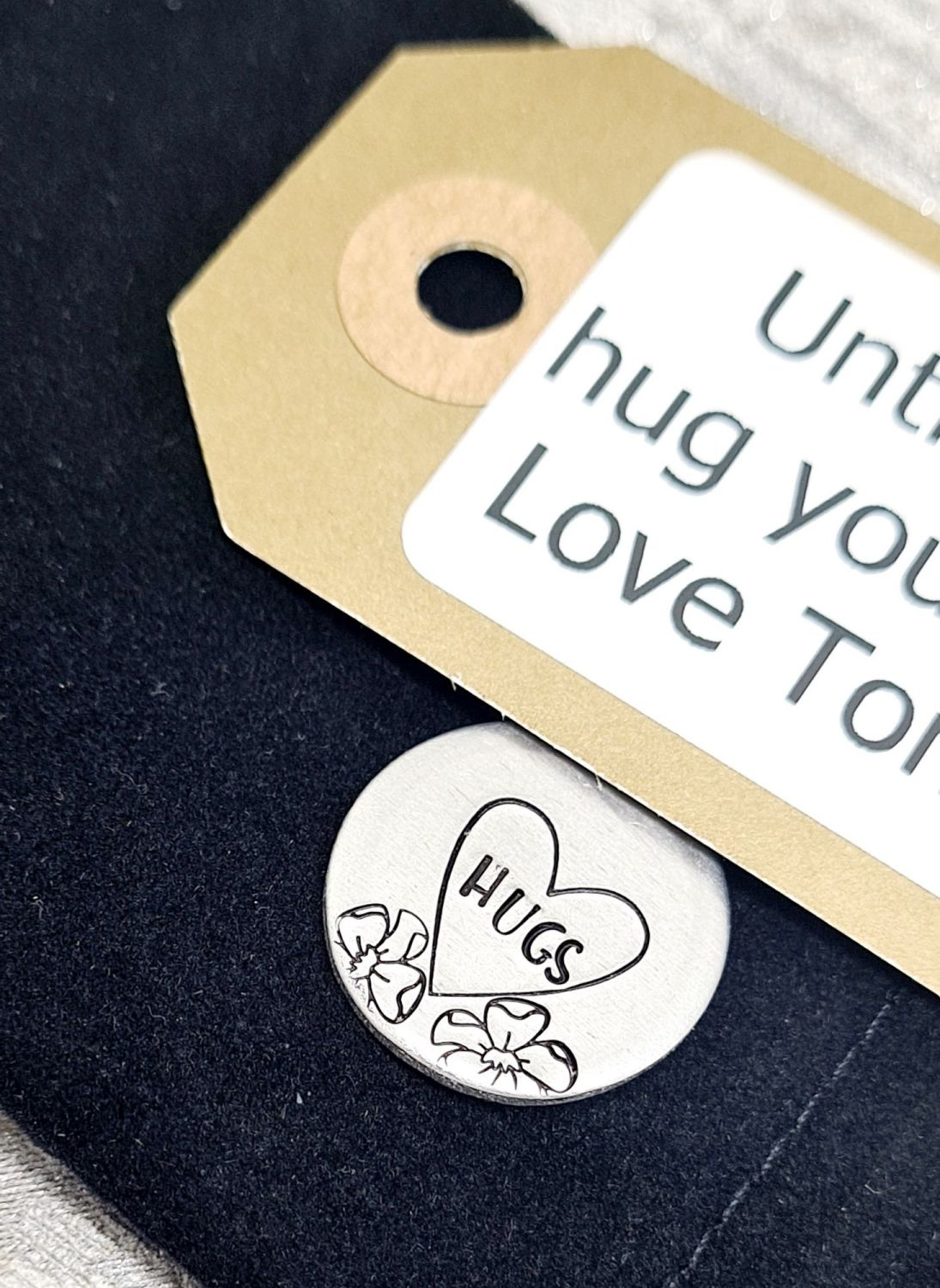 Mini Hug Pocket Hug  - Token