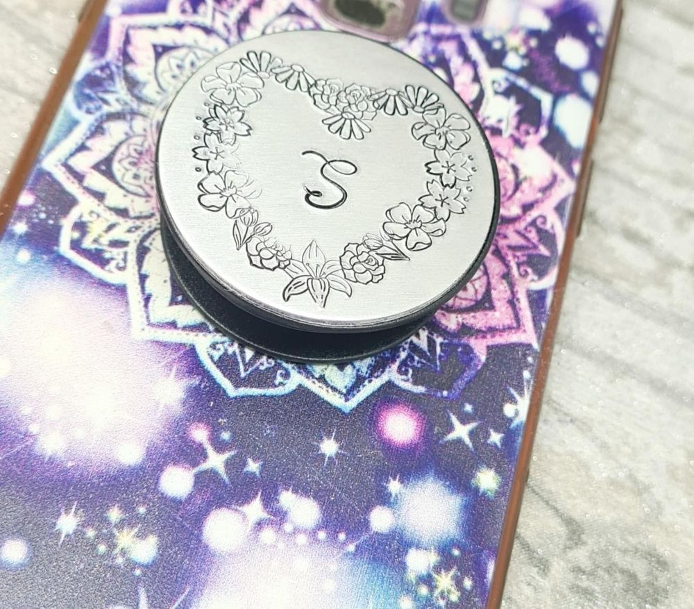 **FIVER FRIDAY 01/01** Monogram Initial Phone Grip with flower heart border