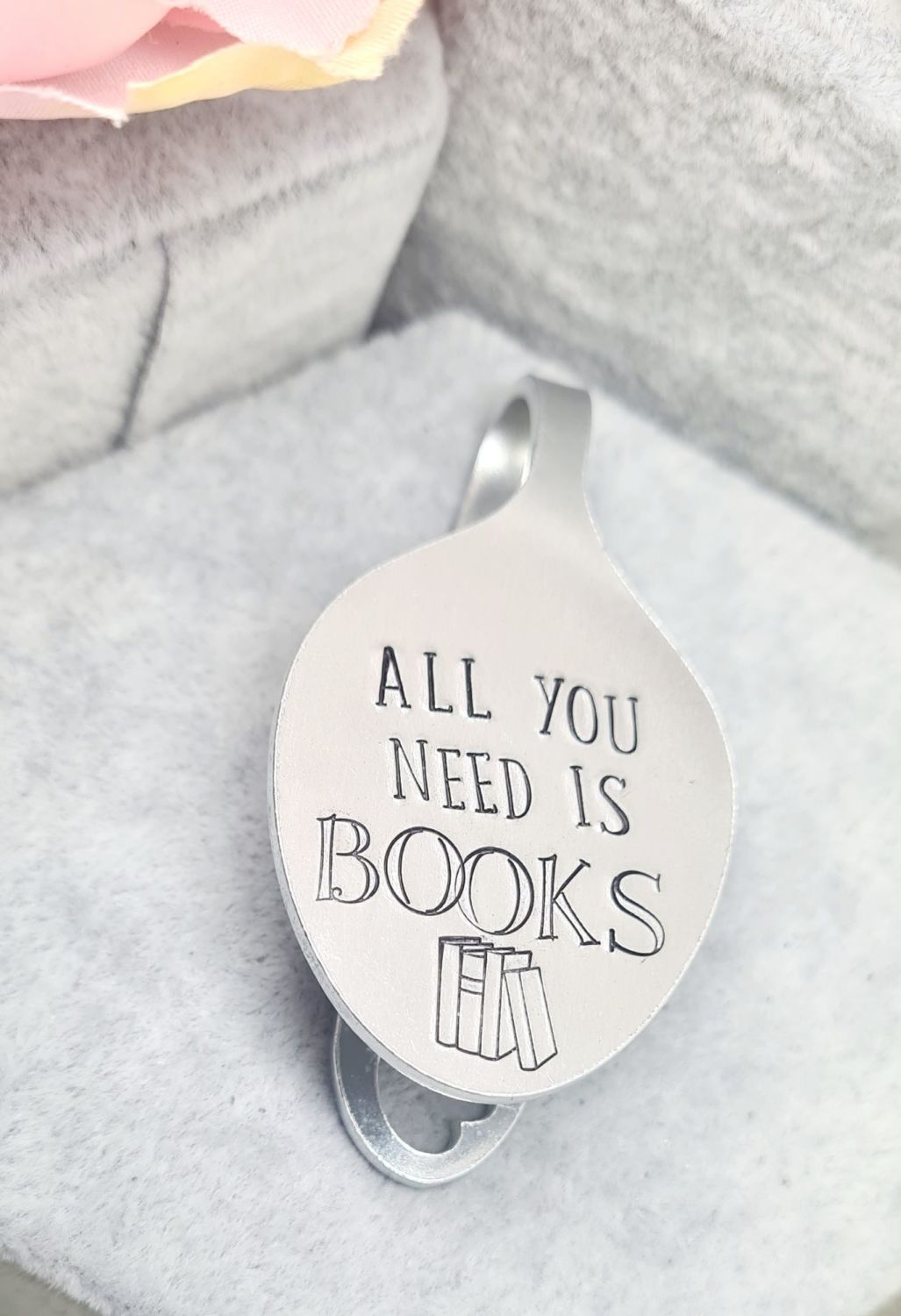 Spoon Style Bookmark - All you need is Books