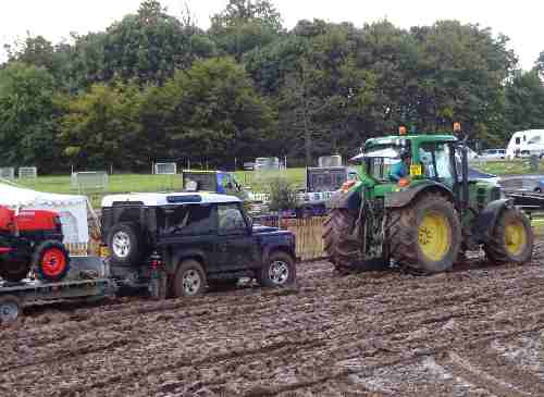 Tractor rescue - Aylsham Show 2015