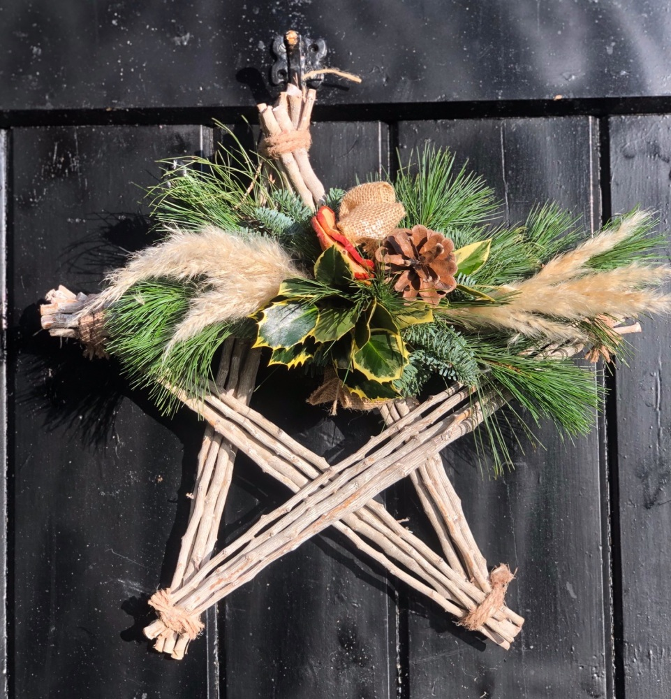 Christmas Willow Star with Spruce Spray