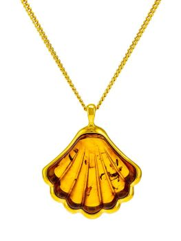 P093 - 219 Baltic Amber and gold plated silver shell pendnat