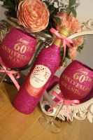 Personalised Wine, Champagne, Prosecco or Cava and TWO Glasses Gift Pack