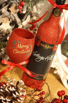 "Classic ""Merry Christmas"" Glass with a Bottle"