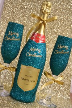 """Pair of """"Merry Christmas"""" Glasses with a Bottle"""