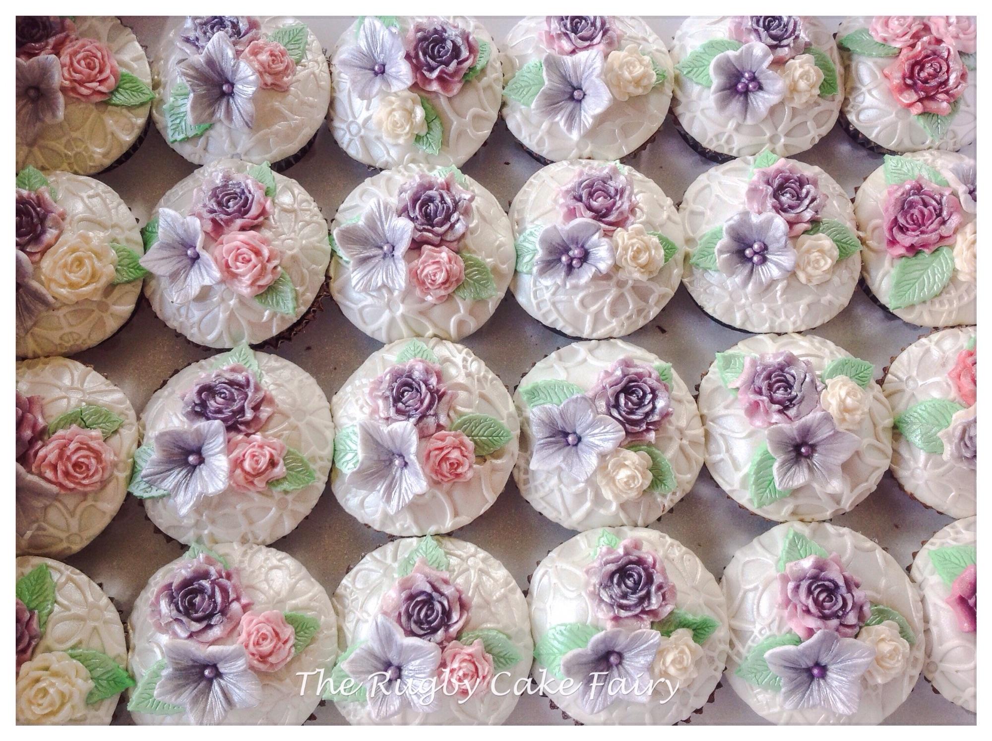 Vintage flower cupcakes silver
