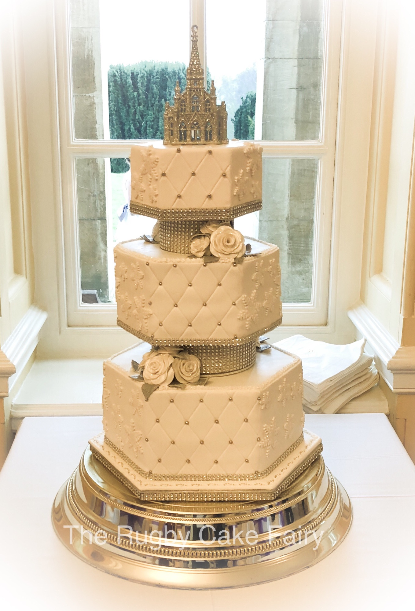 hexagonal wedding cake catthorpe front