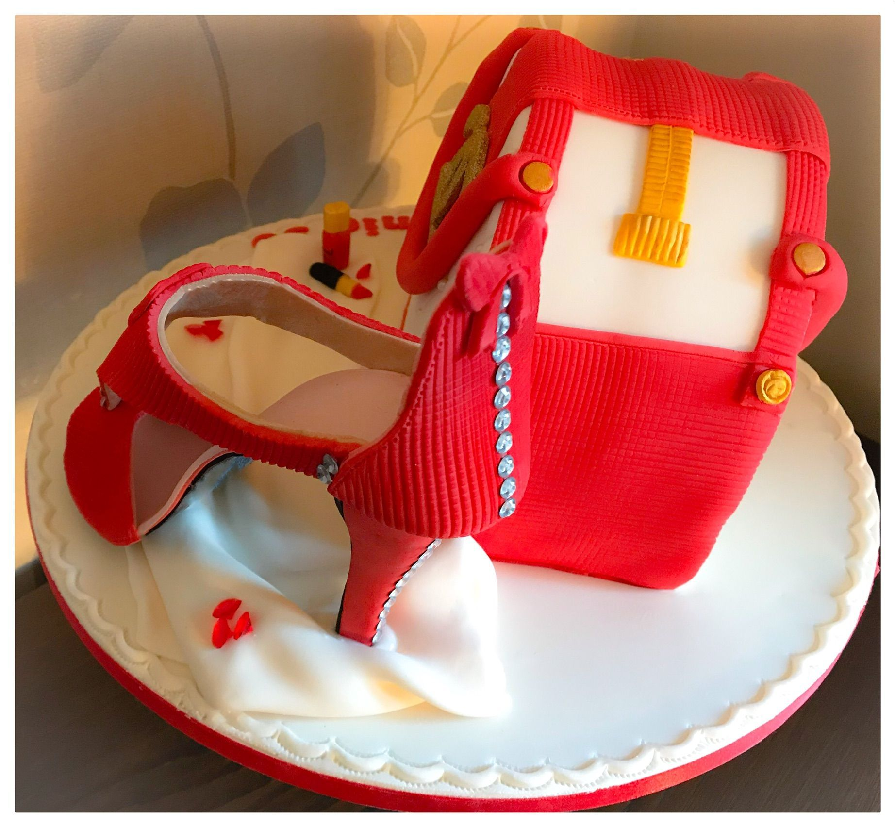 chanel handbag and shoe cake 1