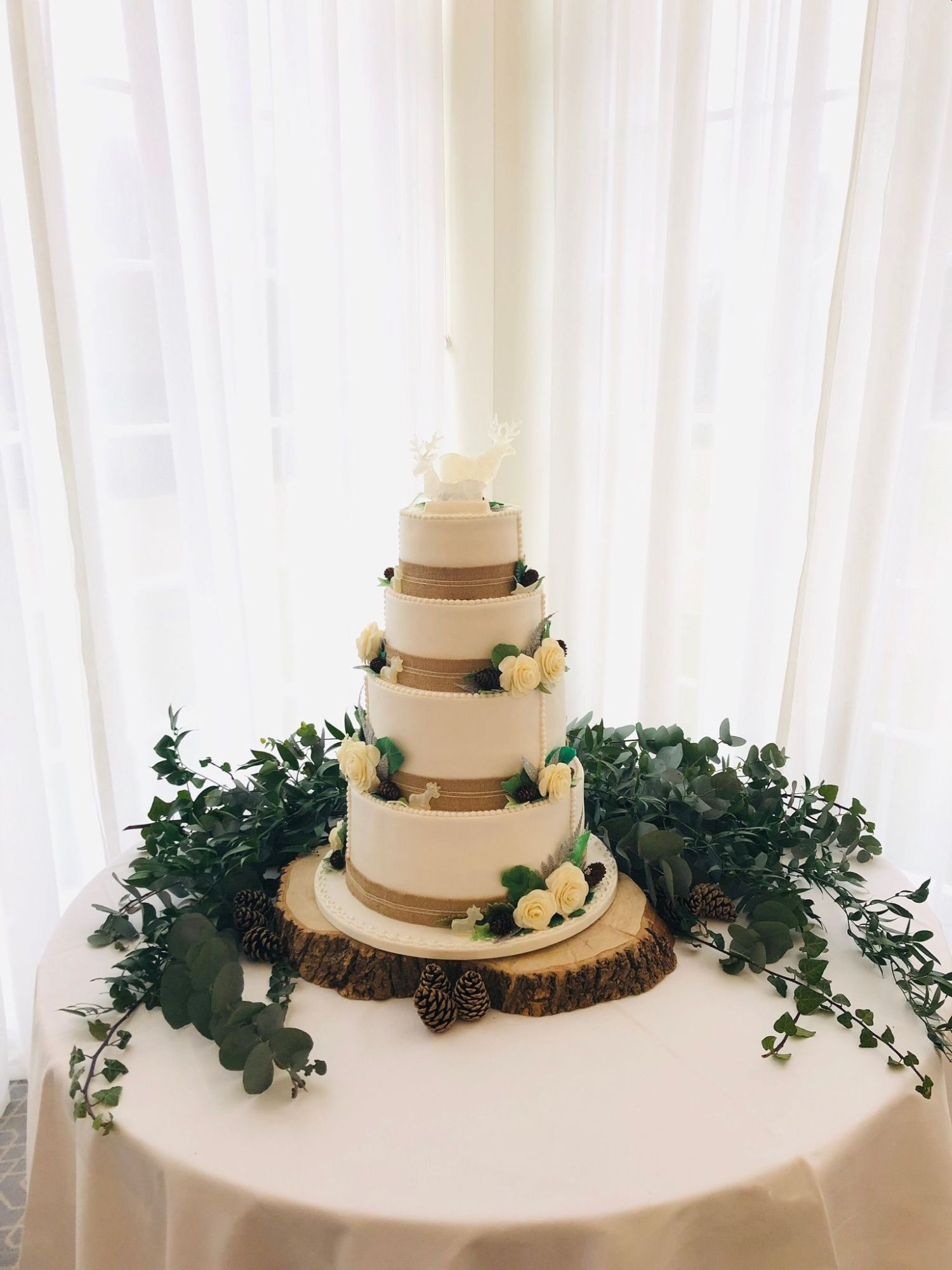 hessian wedding cake 4