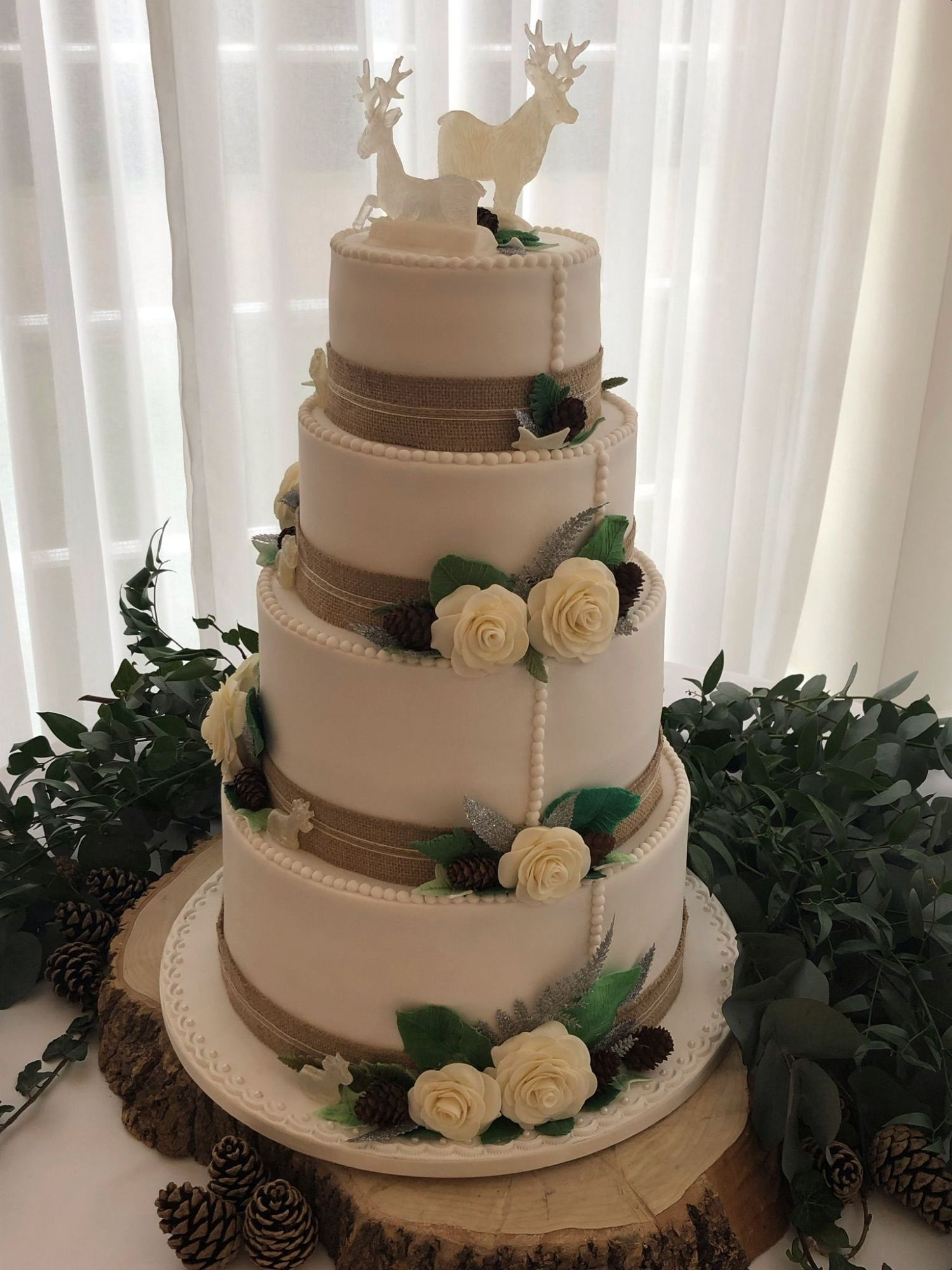 hessian wedding cake