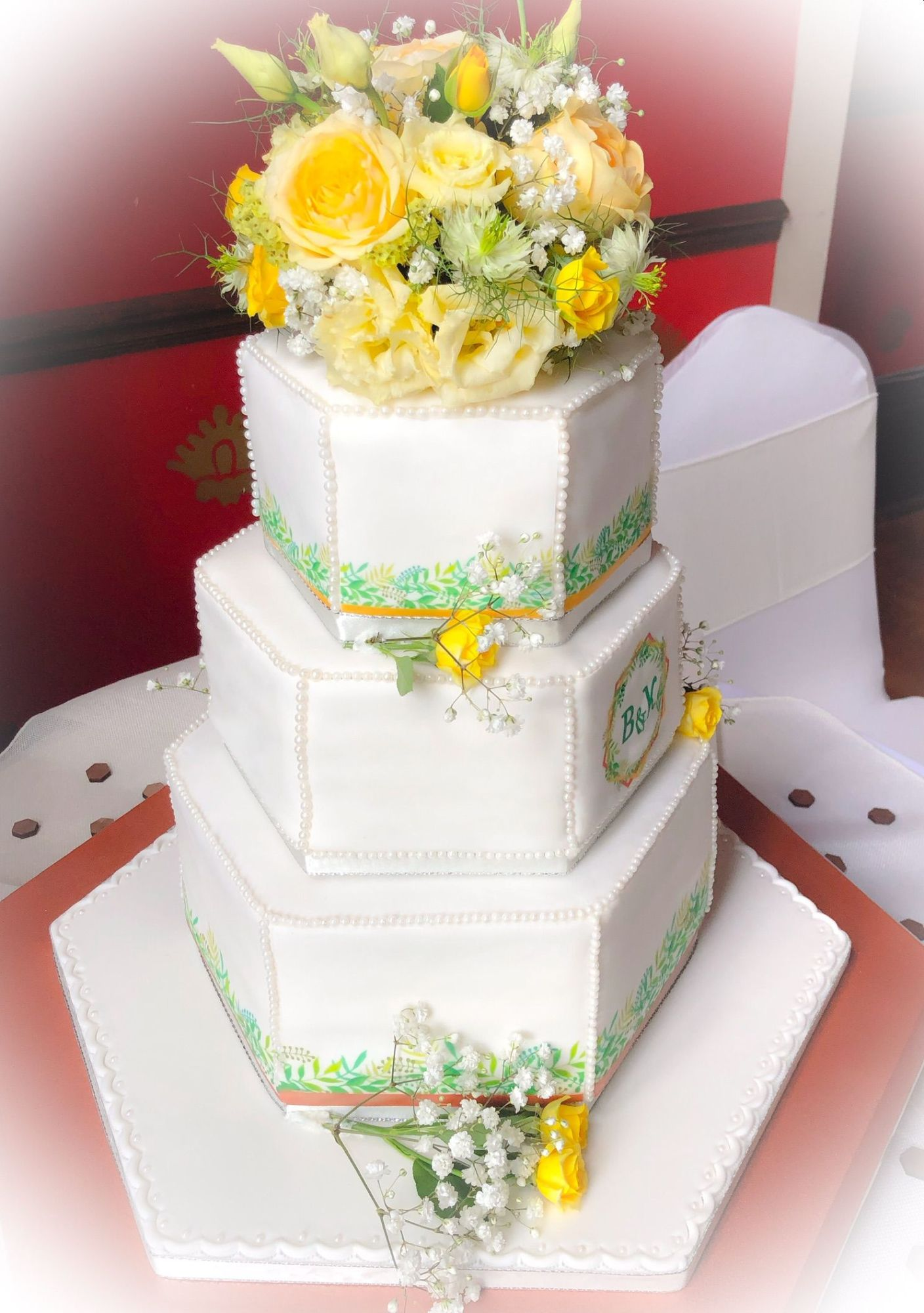 hexaganal flower wedding cake