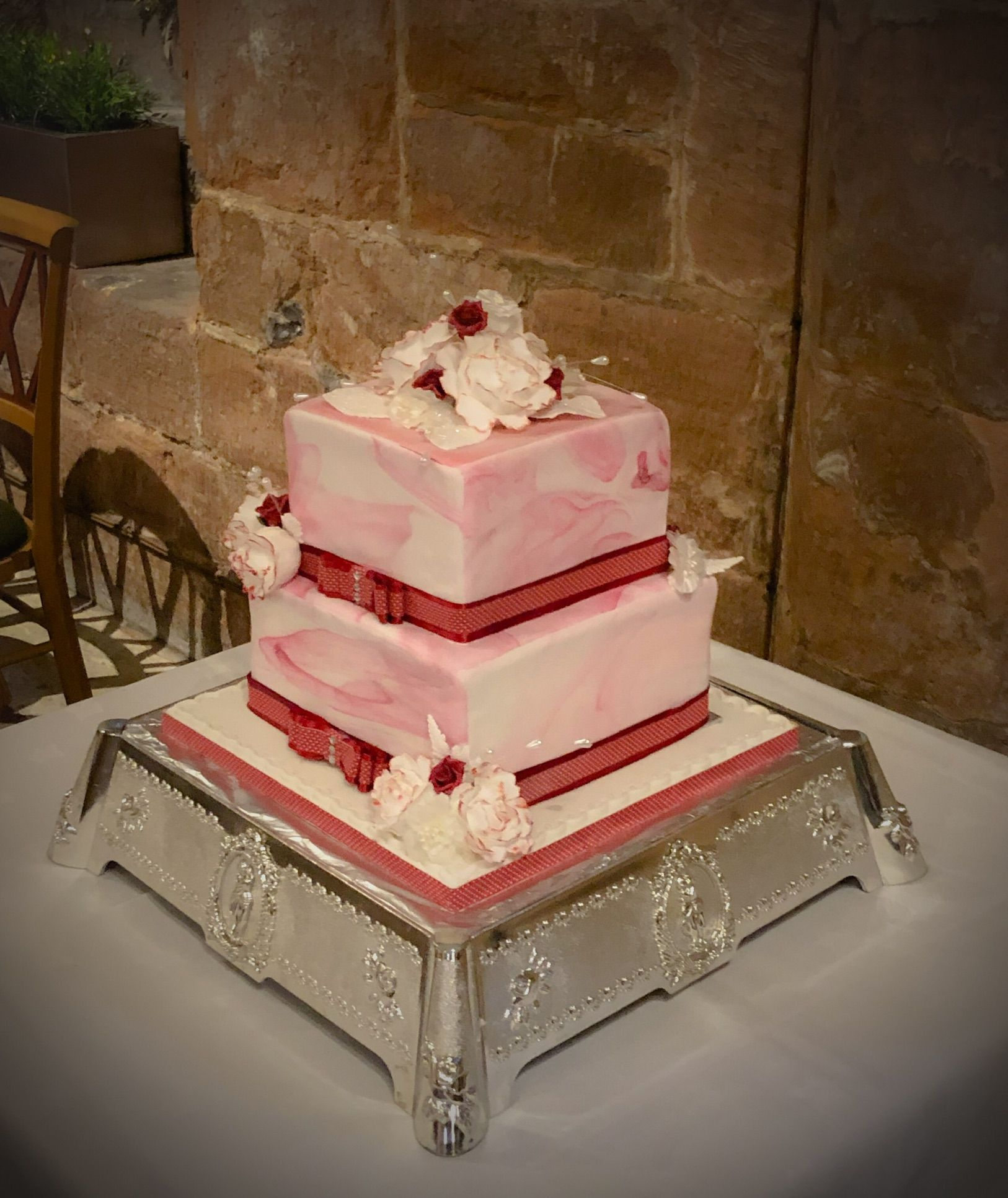 marbled xmas wedding cake