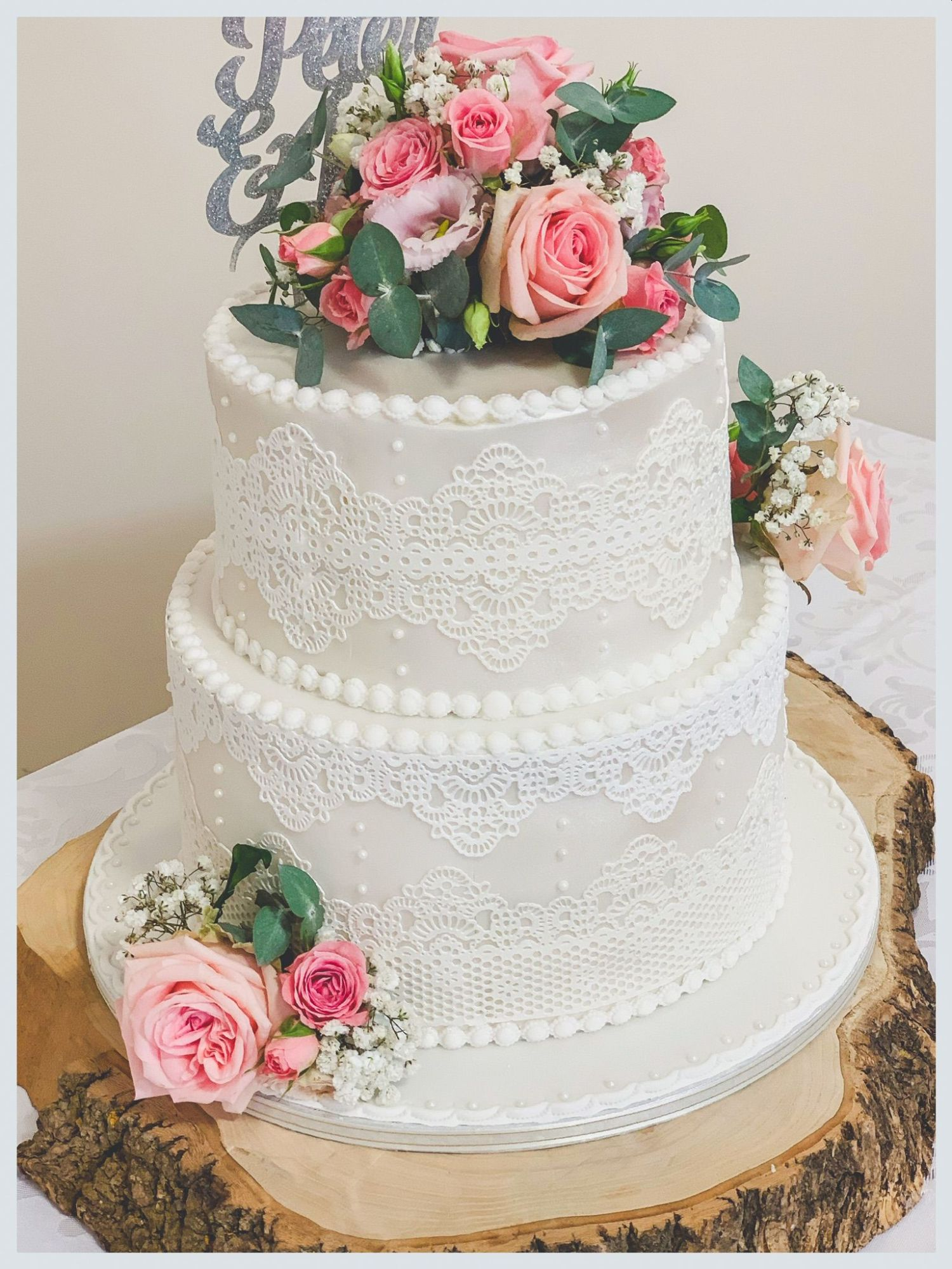 pink rose and lace wedding cake