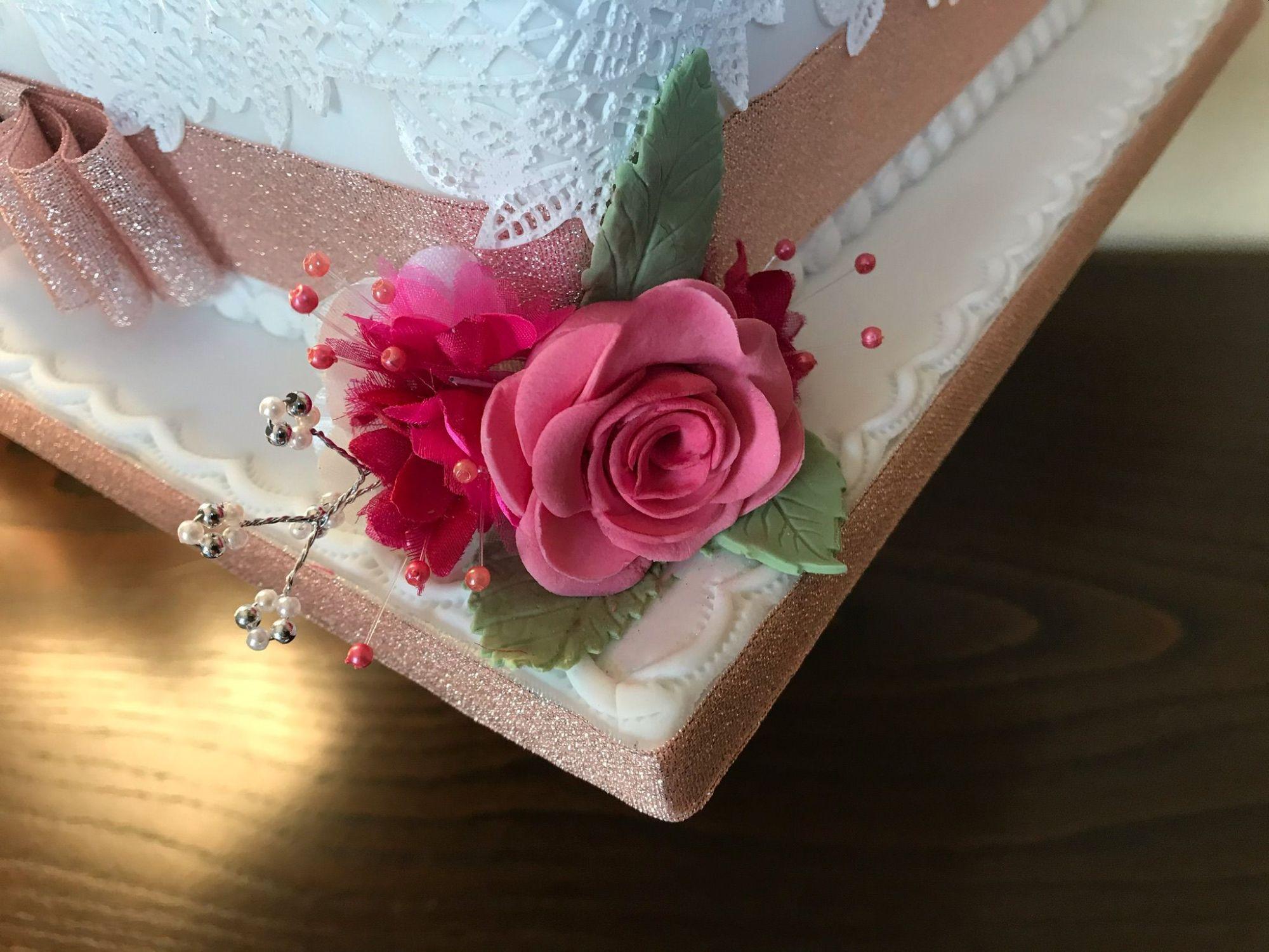 pink side roses