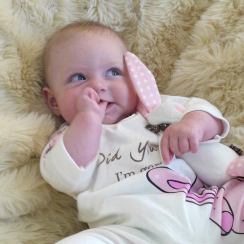 Newborn Girl Romper Suit & Hat