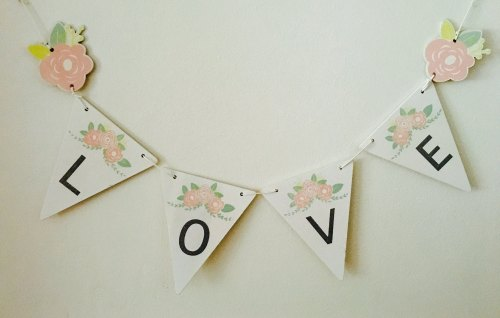 Wooden 'Love' Bunting