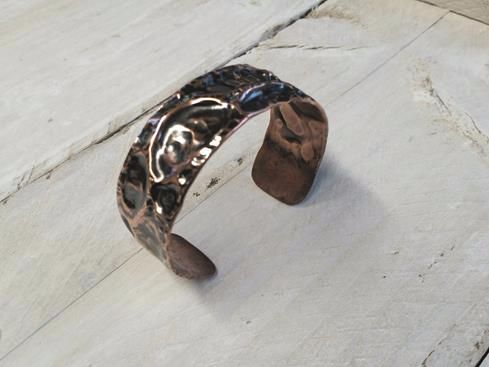 Air Chased Heavy Copper Cuff