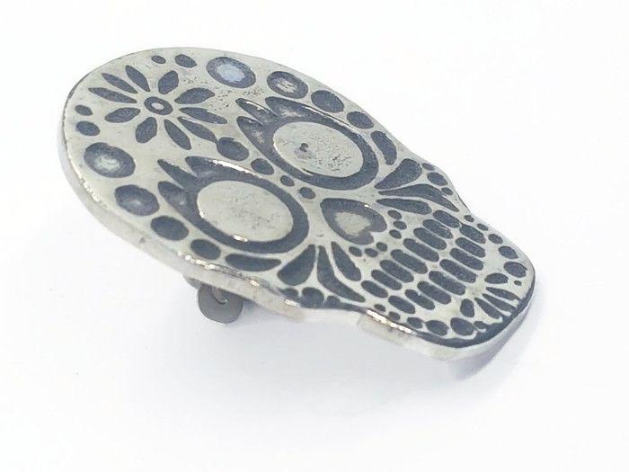Lapel Pin - Pewter Sugar Skull Pin Badge - Daisy