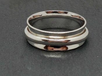 Ring - Sterling Silver - D Shaped Spinner Ring - Size V