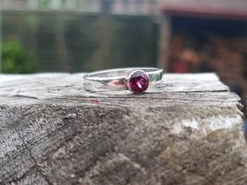 Ring - Sterling Silver - Flat Profile Ring with Rhodalite Garnet - Size P