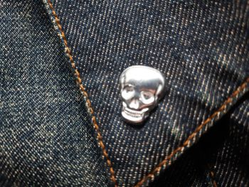 Lapel Pin - Pewter Pin Badge - Small Plain Skull