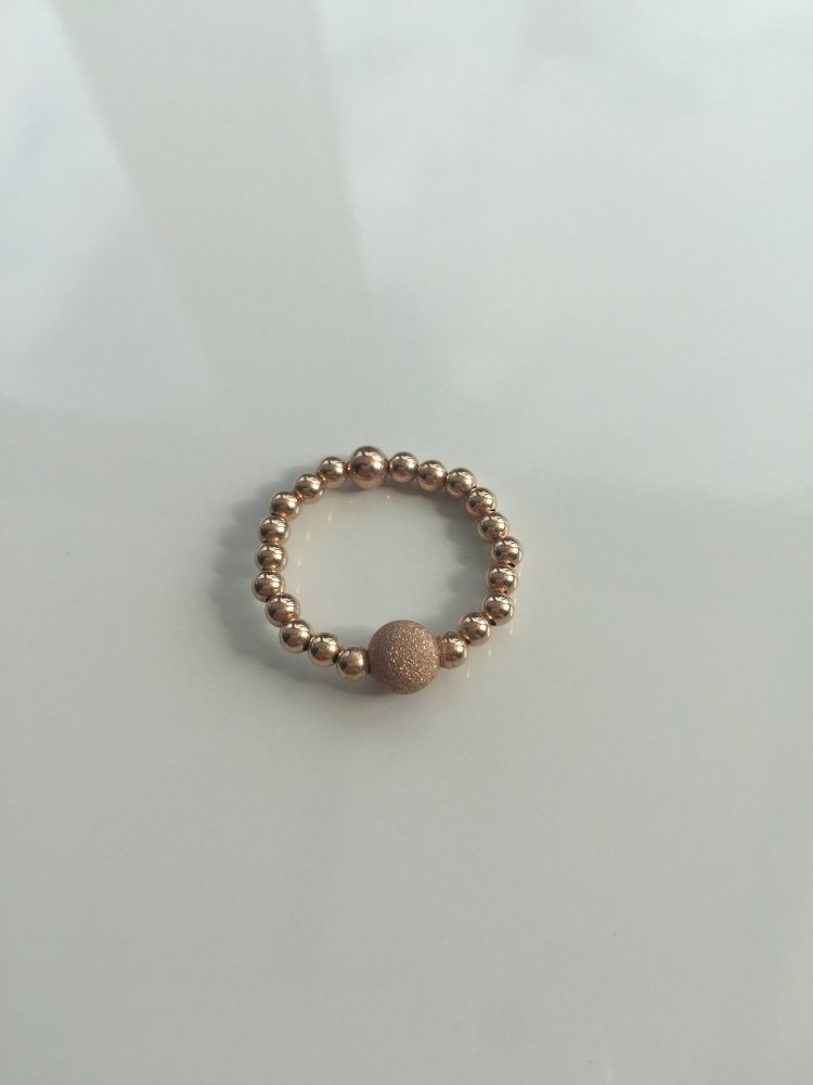 Rose gold stretch ring | CeFfi